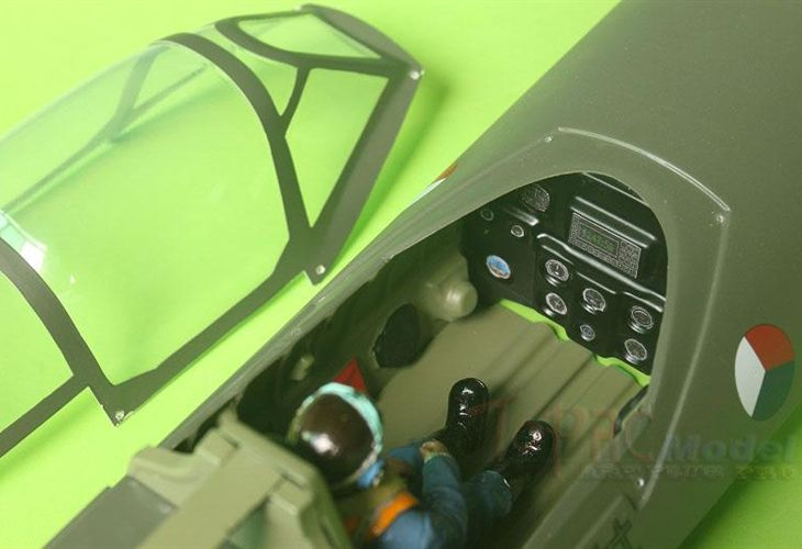 Spitfire Full Composite Airplane ARF (206cm, 7kg, 35cc) TOPRC Model